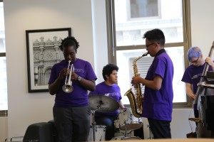 Jazz_band_at_wrigley_bldg