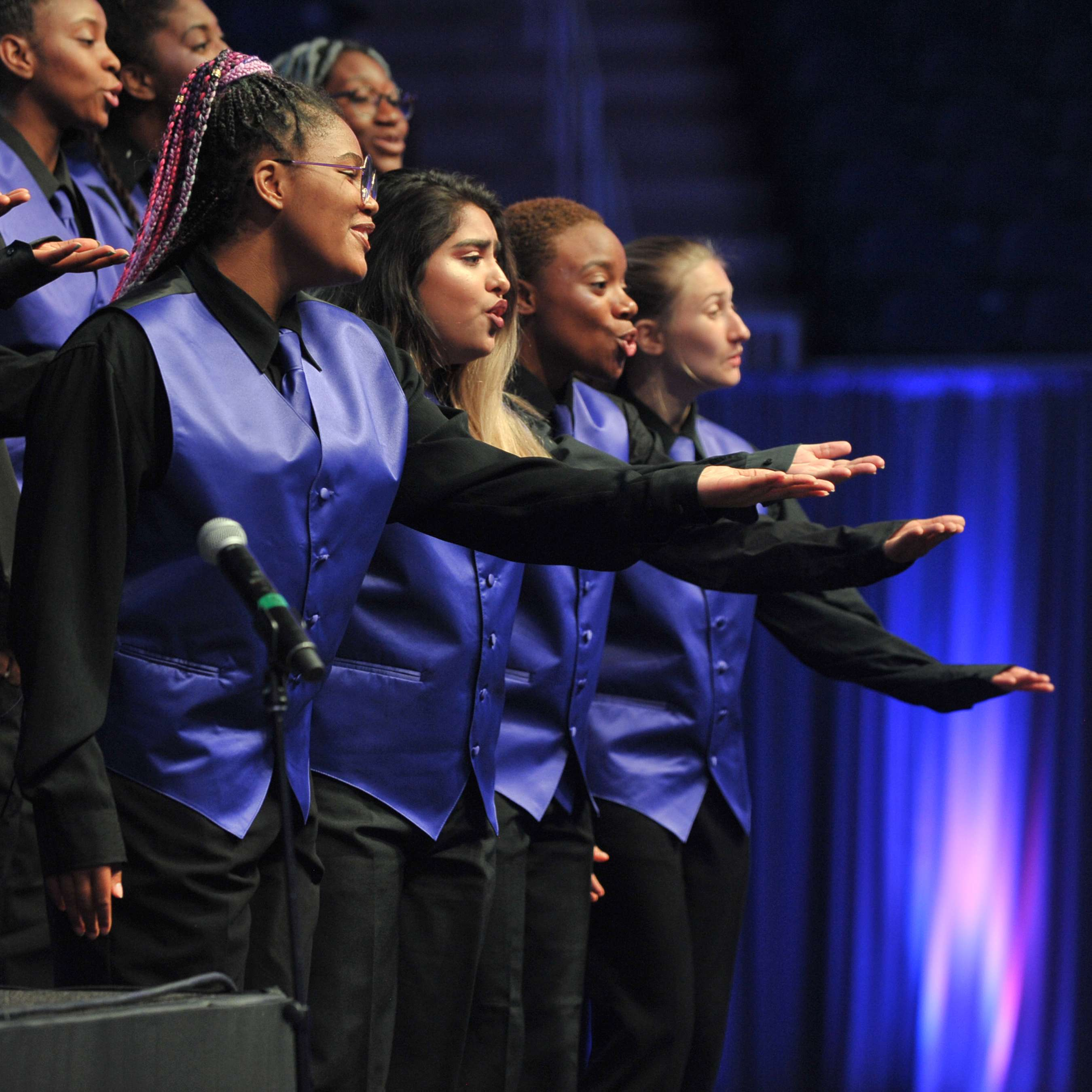 """<p>More than 30 teens in the After School Matters HHW Vocal Arts Ensemble program performed Michael Jackson's """"Heal The World"""" for an audience of nearly 800 supporters during the After School Matters Annual Gala on September 18, 2017. Photo credit: Dan Rest</p>"""