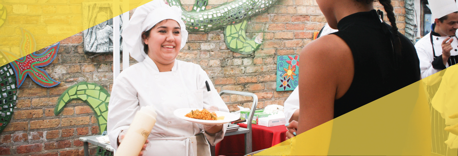 <h2>You're invited to Summer Teen Cuisine!</h2><div class='clear'></div><div class='gal_content'><p><p>Enjoy lunch on our downtown terrace while supporting Chicago's teens!</p> <a href='https://www.afterschoolmatters.org/support-us/events/'>It's what matters > </a></p></div>